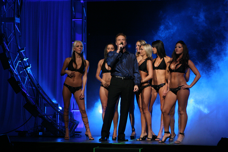 46 Jay with Ring Girls 1